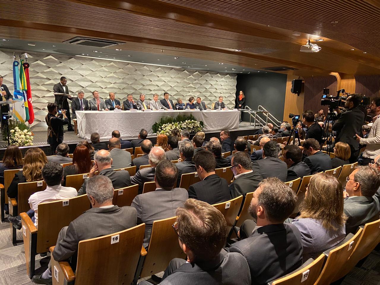 Cerimônia marca posse dos presidentes do IRB, Atricon e CNPTC